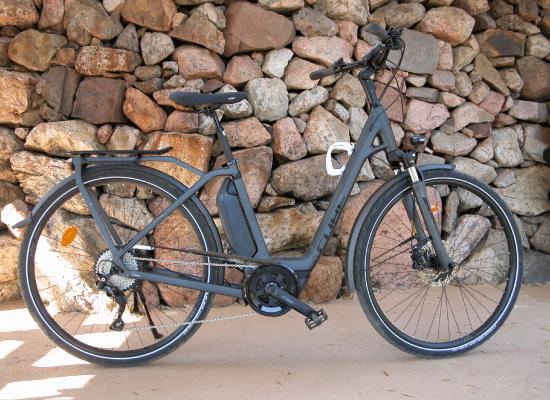 Vélo de ville électrique pour visiter les villes frontalières